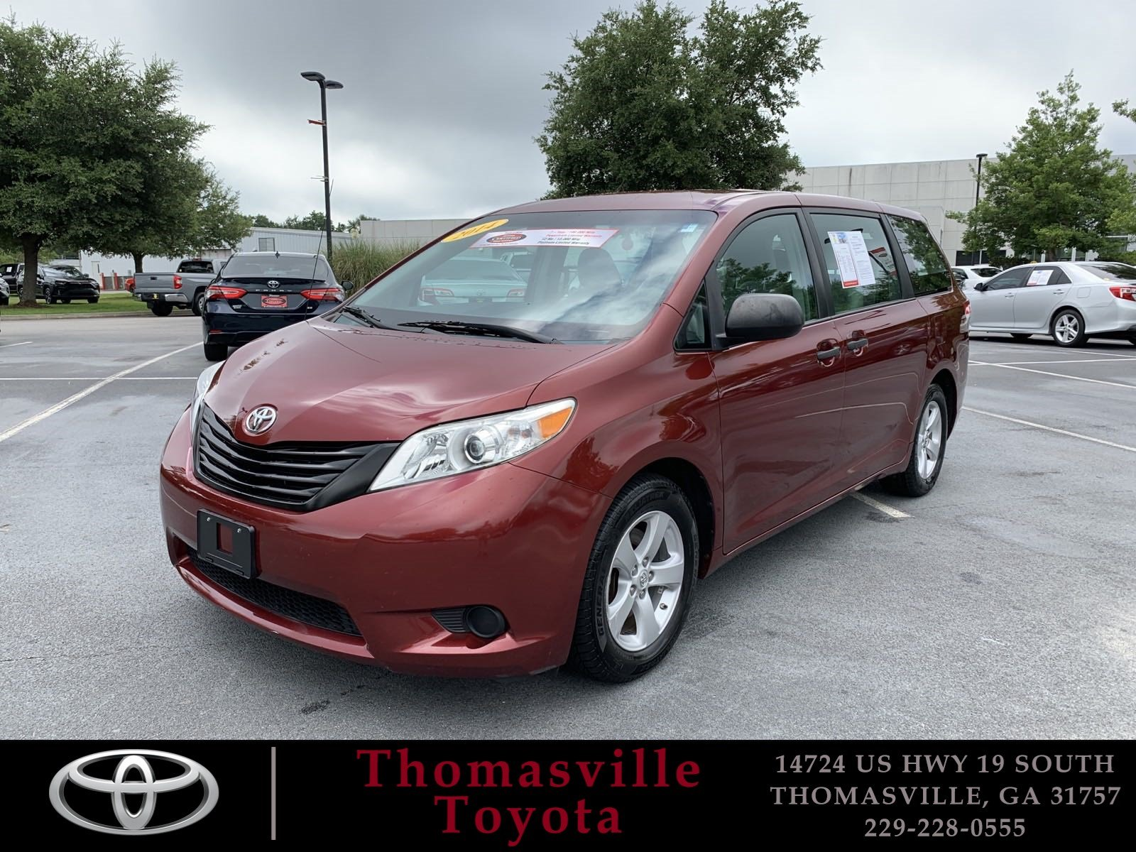 Pre-Owned 2014 TOYOTA SIENNA L